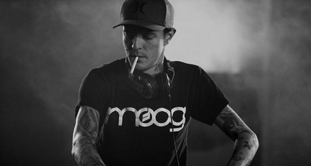 WATCH: Deadmau5 Ends His Glorious Techno Set By Pounding A Beer, Yelling At The Closer And Blasting 'Levels'