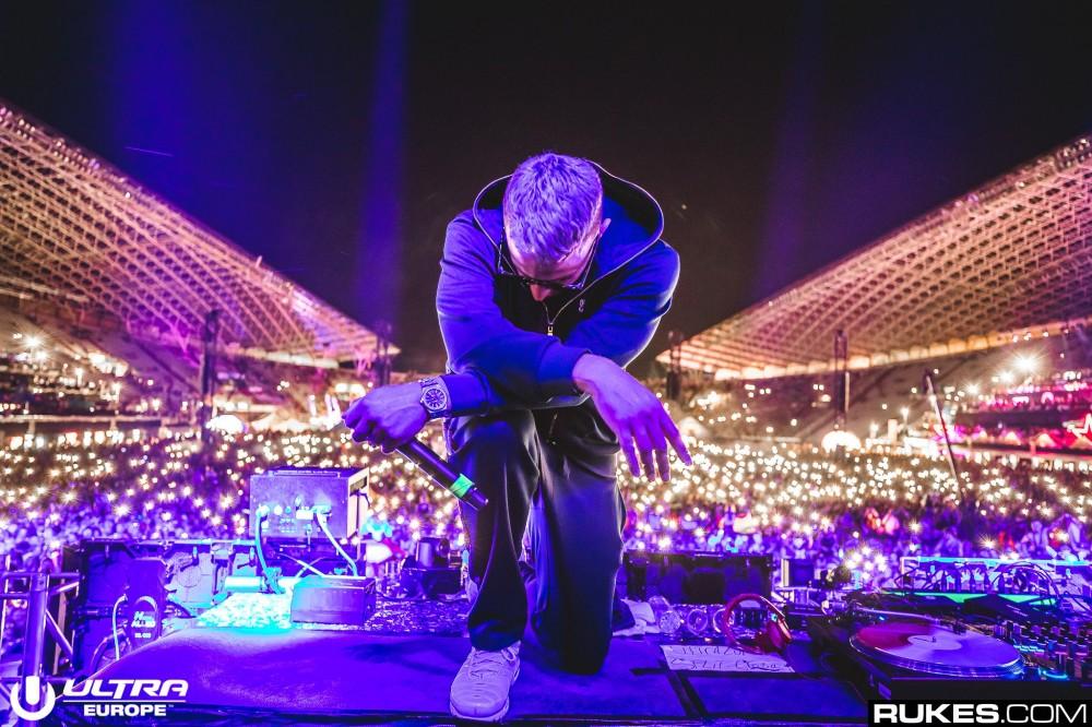 DJ Snake unveils euphoric new original 'When The Light's Down' during Ultra performance – Dancing Astronaut