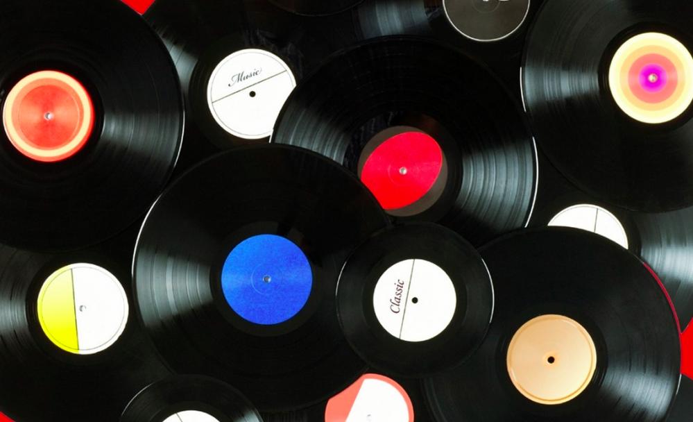 RIAA report says stream counts, vinyl sales increased in 2017