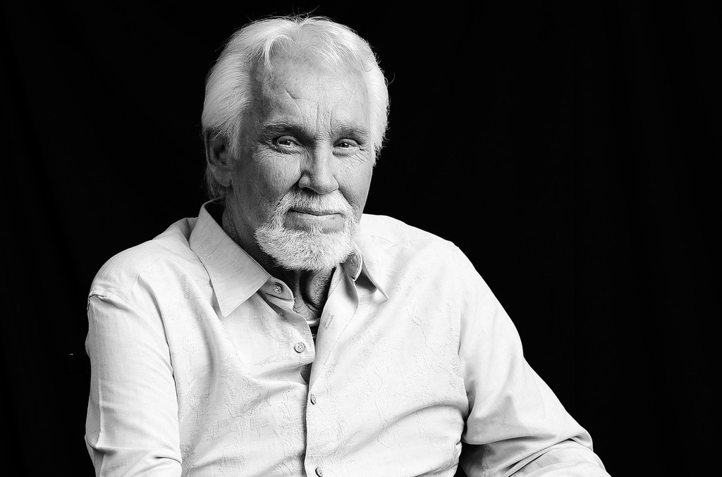 Kenny Rogers, Country and Pop Legend, Dies at 81