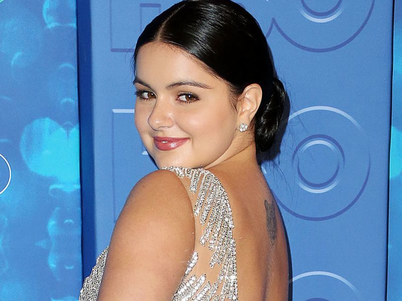 Ariel Winter Ditches Signature Dark Hair for Icy Platinum Blonde Look