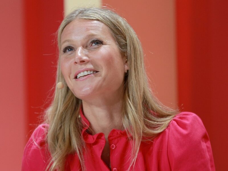Gwyneth Paltrow Shares Completely Nude Photo for 48th Birthday