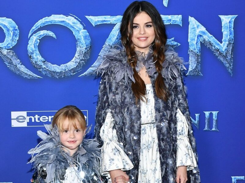 Selena Gomez and Younger Sister Gracie Reenact 'Full House' Fight in Rare Video