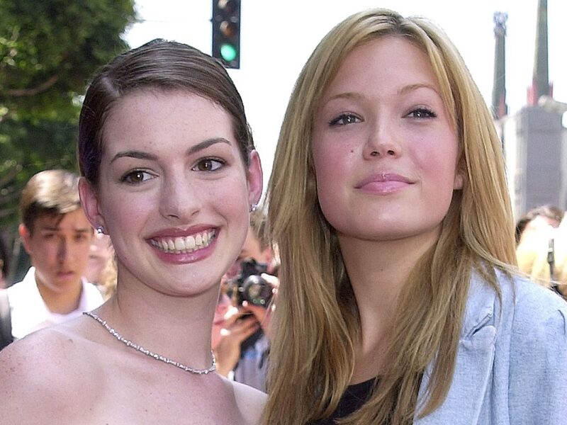 21 Pics From the 'Princess Diaries' Premiere That Will Fling You Back To 2001